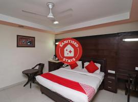Vaccinated Staff - OYO 1835 Hotel Bluemont, hotel near Agra Airport - AGR, Agra