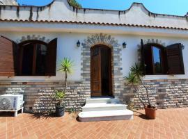 House Baldanza villa by the sea, holiday home in Palermo