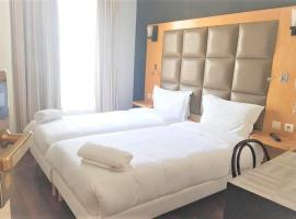 Hotel de France 18, hotel en Montmartre - 18º distrito, París