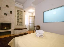Family home w. yard in Beating Heart of Old Town, villa in Chania Town
