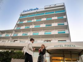 Hotel Pineta, hotel in Sottomarina