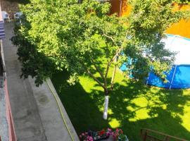 У Шараповых, guest house in Vityazevo