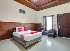 OYO 90411 Pondok 828 Taman Residence, hotel in Pesanggaran