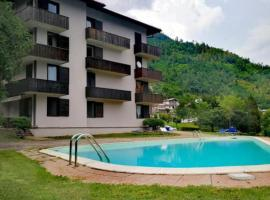 Appartamento Residence Castel Carlotta, hotel with pools in Levico Terme