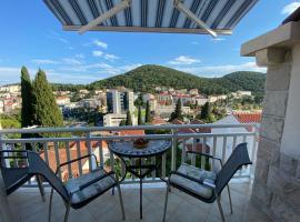 Apartment Sandra, hotel near Lapad Bay, Dubrovnik