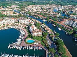 Logement insolite dans Marina du Golfe de St Tropez, boat in Cogolin