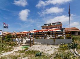 Hotel Da Cesare, hotel near Is Arutas Beach, Putzu Idu