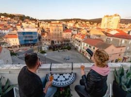 The Spot - Rooftop in the city centre + Parking, apartment in Šibenik
