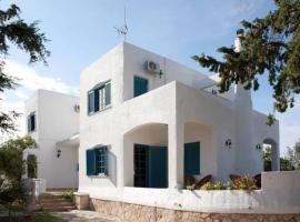 Villa Velissarios: wonderful villa next to beach, pet-friendly hotel in Aegina Town