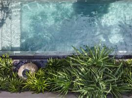 Blossom Eco Luxe Villas by Ekosistem, hotel in Canggu