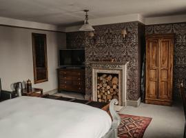 Elephant Hotel, hotel near Donnington Grove Country Club, Pangbourne