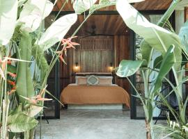 Surfing Temple Hotel Boutique, hotell i General Luna