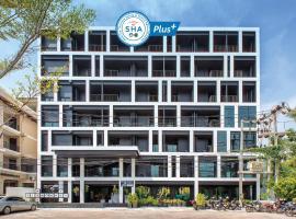 Blu Monkey Hub and Hotel Phuket (SHA Plus+), hotel in Phuket
