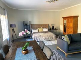 Riverclub Guest Cottage in Riverclub, Sandton, apartment in Johannesburg