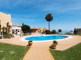 Piso Benalmádena Pueblo con vista, piscina y tranquilidad, lägenhet i Benalmádena