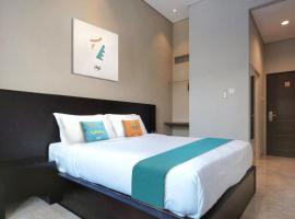 Sans Hotel Empress Simpang Lima, hotel near Simpang Lima, Semarang