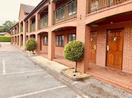 Tollgate Hotel & Leisure, hotel in Stoke on Trent