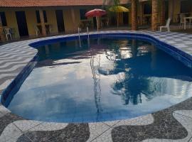 Litoral Hostel, hotel with pools in Luis Correia
