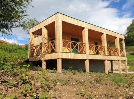 Lac Paladru, proche berge - Maison avec terrasse, vue., vacation home in Montferrat