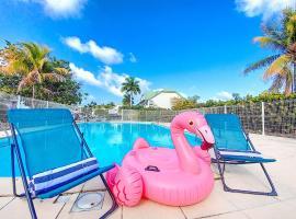 Duplex Elyana, 100m from Orient Bay beach, pool, villa in Orient Bay