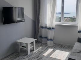 Мансарда 46 м2 с видом на море и город, apartment in Gelendzhik