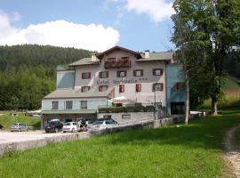 Hotel Martinella, hotel in Folgaria