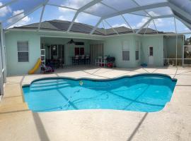 The WetSpot Partyhouse, villa in Port Saint Lucie