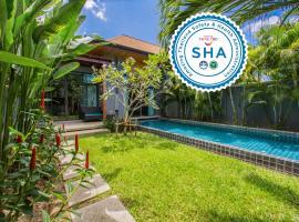 Onyx Villas by TropicLook, hotel in Nai Harn Beach