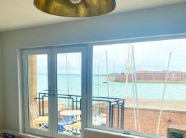 Harbour View, Old Portsmouth, apartment in Portsmouth