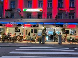 Hotel Restaurant La Piazza, hotel near VVV Valkenburg, Valkenburg