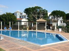 5 Bedroom modern and luxury town house with full air conditioning, vacation home in Vilamoura