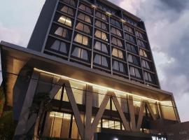 Awann Sewu Boutique Hotel and Suite Semarang, hotel with pools in Semarang