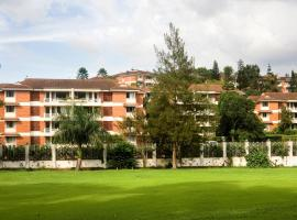 Golf Course Apartments, hotel in Kampala
