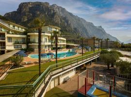 Hotel Royal Village, hotel in Limone sul Garda