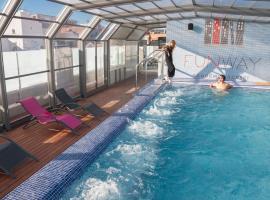 Funway Academic Resort, hotel en Madrid