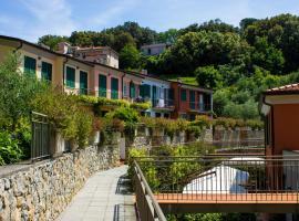 Baia Blu RTA Residence, apartment in Lerici