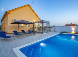 Villa Family and Friends, holiday home in Zadar