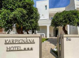 Karpignàna Hotel, hotel in Carpignano Salentino