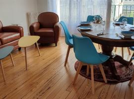 Appartement Rénové, 100 m de la gare, 83 m2, 5 Pers, Confortable et Lumineux, apartment in Le Havre