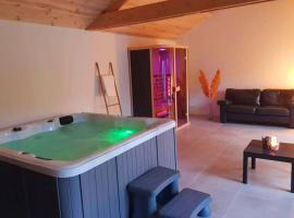 Magnifique maison ardennaise avec Sauna & Jacuzzi, hotel in Houffalize