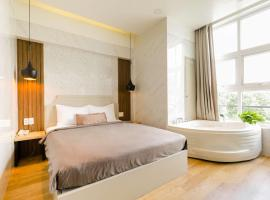 Lá Hotel Q10, hotel in District 10, Ho Chi Minh City