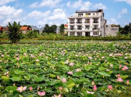 Lotus Hotel Ninh Bình, hotel in Ninh Binh