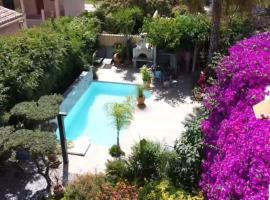 chez Muriel et Yves, beach hotel in La Londe-les-Maures