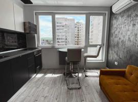 Luxury studio apartment in the city center - Smart Home, hotel in Iaşi