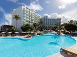 Sonesta Maho Beach All Inclusive Resort Casino & Spa, hotel in Maho Reef