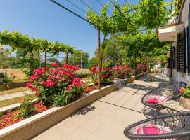Wine and Roses, vacation rental in Loborika