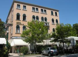 Hotel Cristallo, hotel near Congress Center - Venice Film Festival, Venice-Lido