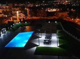 Nina Apartment, hotel with pools in Chania Town
