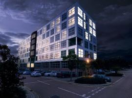 Luxury Penthouse. Excellent location, Free Parking & Netflix., apartment in Milton Keynes