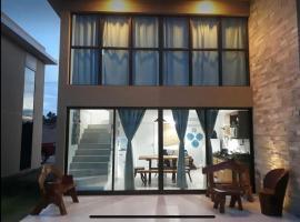 Casa em condomínio com conforto exclusivo!, pet-friendly hotel in São Miguel dos Milagres